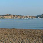 Blick auf Calvi vom Strand