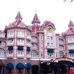Eingang von Disneyland Paris am Disneyland-Hotel