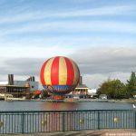Panorama-Ballon auf dem See Disneyland Resort