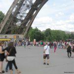 Warteschlange an der Kasse des Eiffelturms