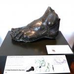 Fuß der Statue von Louis XIV - Musée Carnavalet