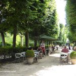 Café im Garten des Rodin Museums Paris