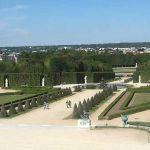Blick auf den Park von Schloss Versailles